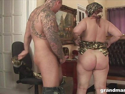 Sultry granny with a phat ass fucks at one to a powerful orgasm