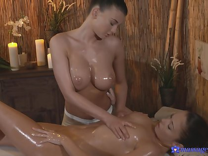 Passionate pussy massage makes Lucy Li's customer cum on get under one's table