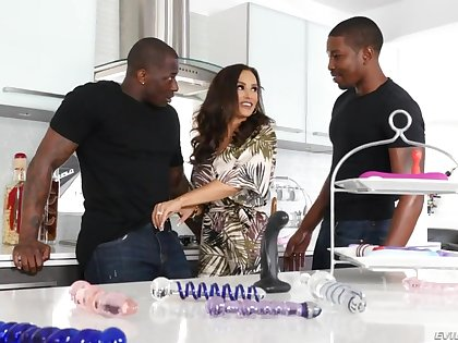 Very much wild bootyful nympho Lisa Ann loves hardcore interracial 3some